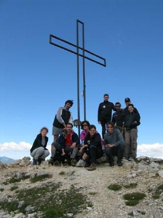 Guide sulla cima di un monte